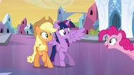 EG Pinkie mówi że Twilight jest zdenerszęśliwa