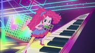 """EG2 klip """"Wieczna przyjaźń"""" Pinkie na pianinie"""