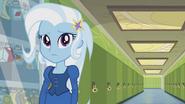 EG1 Trixie w stoju na bal