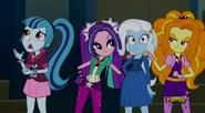 EG RR Dazzlings rozmawiają z Trixie