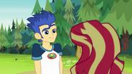 EG4 Flash chce odnowić przyjaźń z Sunset
