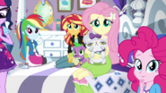 Rarity's friends unsure about her plan EGS1