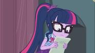 EG COYA05 Twilight Sparkle czyta swój tekst