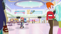 Sunset Shimmer in the Canterlot Mall food court EGS3