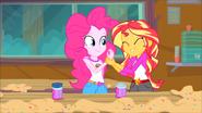 EG4 Sunset radzi Pinkie żeby już nic nie dotykała