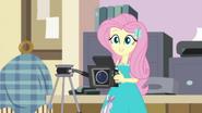 EG BT23 Fluttershy przyjmuje podejście poza kamerą