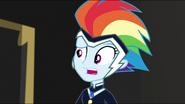 EG MF Rainbow pyta się przyjaciółek jak ją znalazły