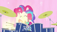 Pinkie drumming in Welcome to the Show EG2