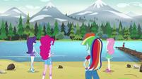 Rarity, Pinkie, Rainbow, Fluttershy gazing at the water EG4