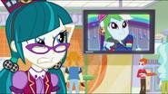 EG ML Rainbow w TV