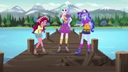EG4 Gloriosa, Celestia i Luna na dziurawym pomoście