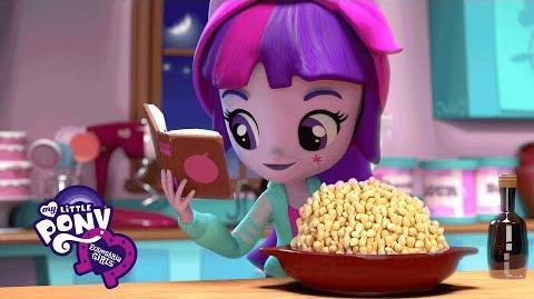 MLP Equestria Girls Minis - Pinkie Pie's Slumber Party ft. Twilight Sparkle