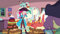 Pirate Pinkie Pie eating a cookie EGDS3