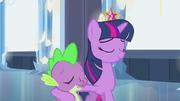 EG Twilight obejmuje Spike'a