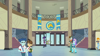 Twilight enters Canterlot High School EG3