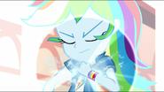 EG MF Rainbow nabiera super prędkości