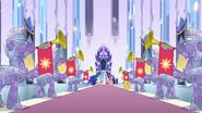 EG1 Flash Sentry przy tronie