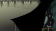 EG MF Tajemnicza postać przebiega niedaleko Rainbow