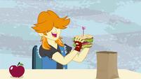 Valhallen about to eat his sandwich EG3