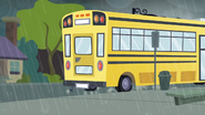 EG SS6 Autobus zatrzymuje się na przystanku
