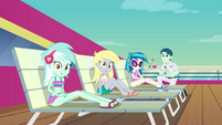 Lyra, Derpy, and DJ looking at Rainbow EGSB