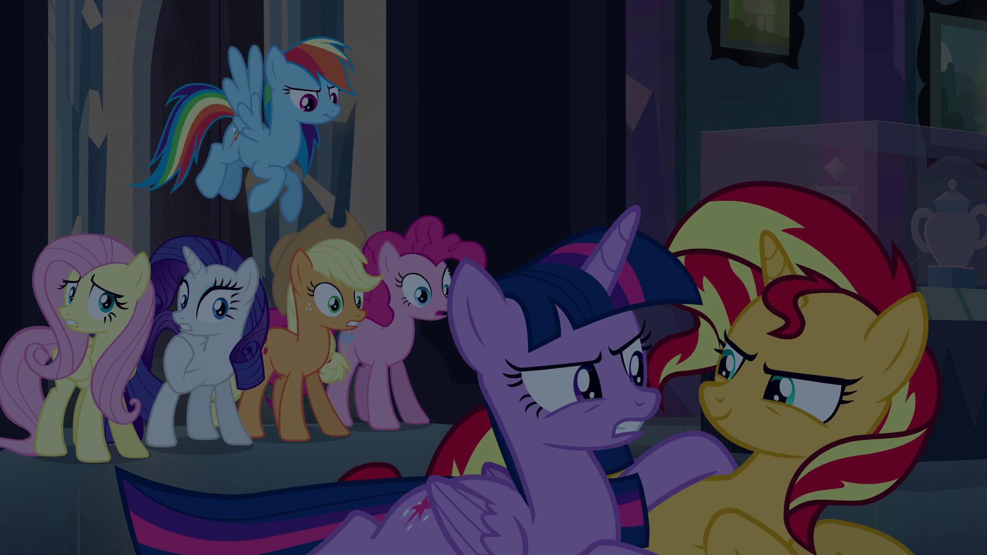 Archivo:Twilight glares at Sunset Shimmer EG.png