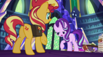 Starlight awkwardly paws at the floor EGS3