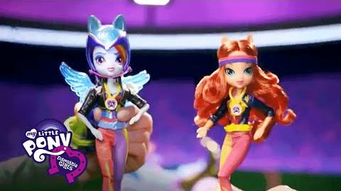 MLP Equestria Girls Sverige - 'Friendship Games Sportig stil Deluxe Dolls' TV Reklam