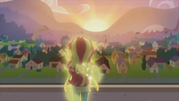 Sunset Shimmer looks over the city EG2