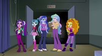 Dazzlings singing to the principals EG2