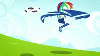 Rainbow Dash kicking the soccer ball SS4