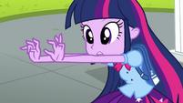Twilight wiggling her fingers EG