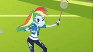 EG COYA05 Lotka do badmintona śmiga obok Rainbow Dash