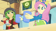 EG Fluttershy w piosence ''Cafeteria Song''.