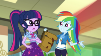 Rainbow Dash returns with her backpack EGDS5
