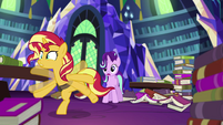 Sunset Shimmer trying to keep her balance EGS3