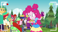Watermelody crawls away from Pinkie Pie EGDS47