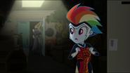 EG MF Rainbow odwraca głowe