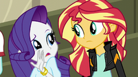 Rarity whispering to Sunset Shimmer EG3