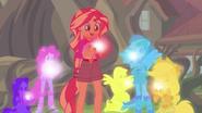 EG4 Dziewczyny lśnią kolorami swoich kryształów
