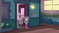 Lily Pad waving goodbye to Rarity EGDS3