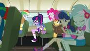 EG4 Uczniowie w autobusie