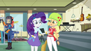 Rarity checking Applejack's shirt EG3