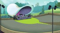 Main cast on the amphitheater stage EG2