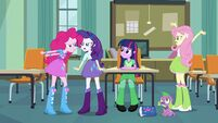 Pinkie Pie, Rarity, and Fluttershy arguing