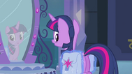 EG1 Luna zakłada Twilight jej torby