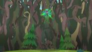 EG4 Gloriosa tworzy coraz więcej pnączy