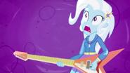 """EG2 klip """"Walka o gitarę """" Zaskoczenie Trixie"""