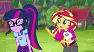 EG4 Sunset stara się porozmawiać z Twilight o jej magii