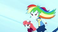EG SS4 Rainbow Dash biegnie-0
